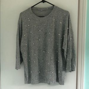 Sweater with pearl details